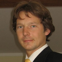 Dr. Felix Fuders